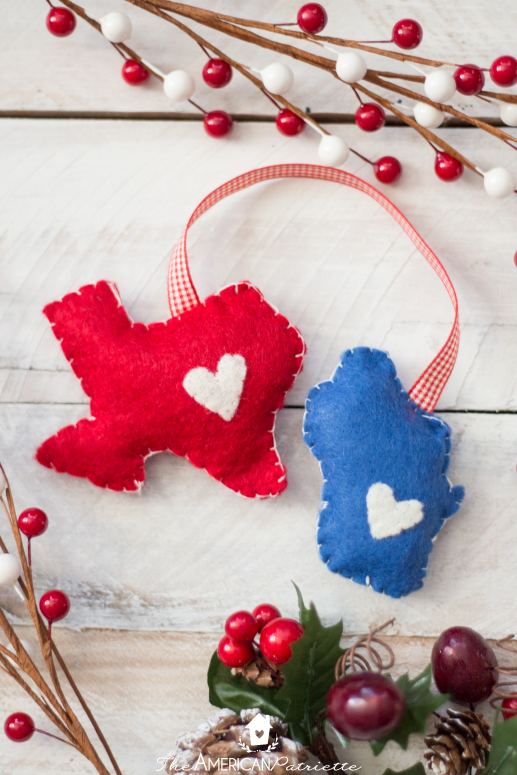 DIY Home State Felt Christmas Ornament - The American Patriette