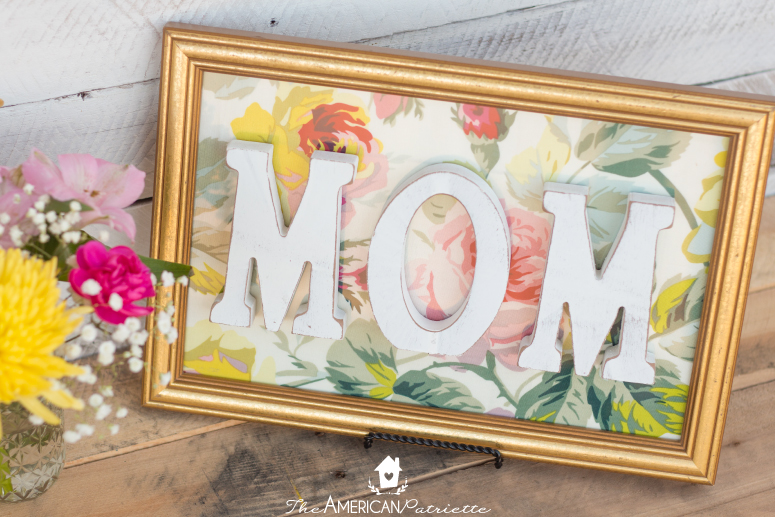 DIY Framed Floral Mom Sign – Great Gift for Mother's Day & Birthdays!