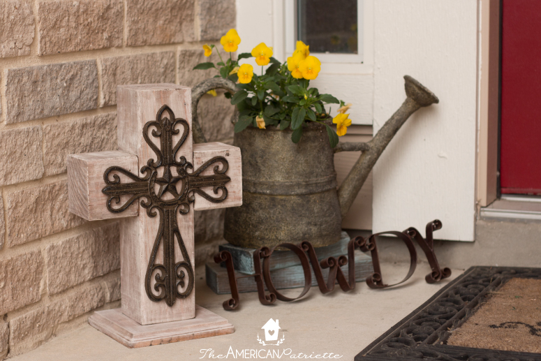 DIY Outdoor Wooden Cross Decor