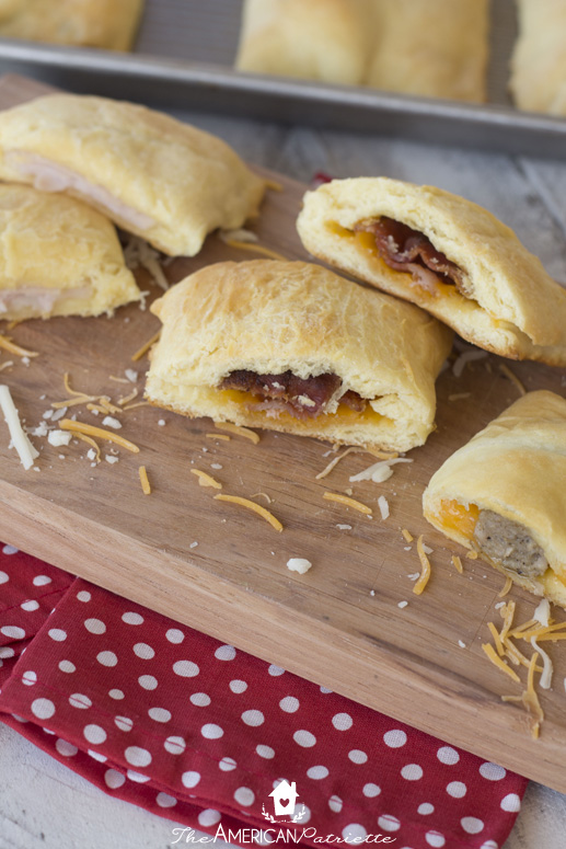 Crescent Roll Meat & Cheese Kolaches - Perfect for a snack or appetizer and also makes for a yummy breakfast!
