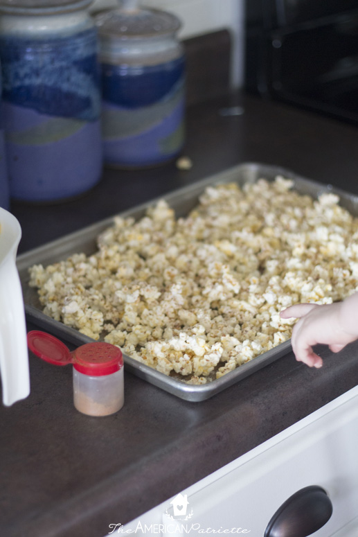 Three Ingredient Pumpkin Spice Popcorn